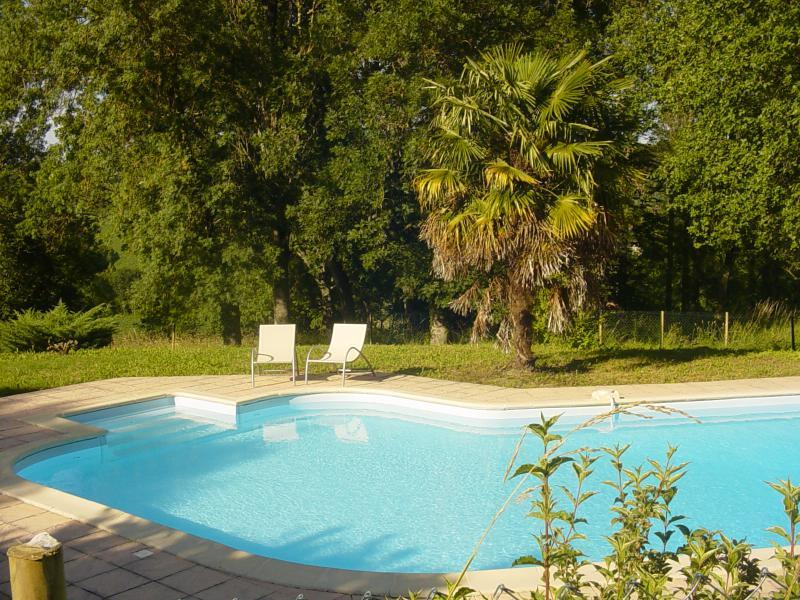 You will have exclusive use of the pool which is fenced and has an alarm.