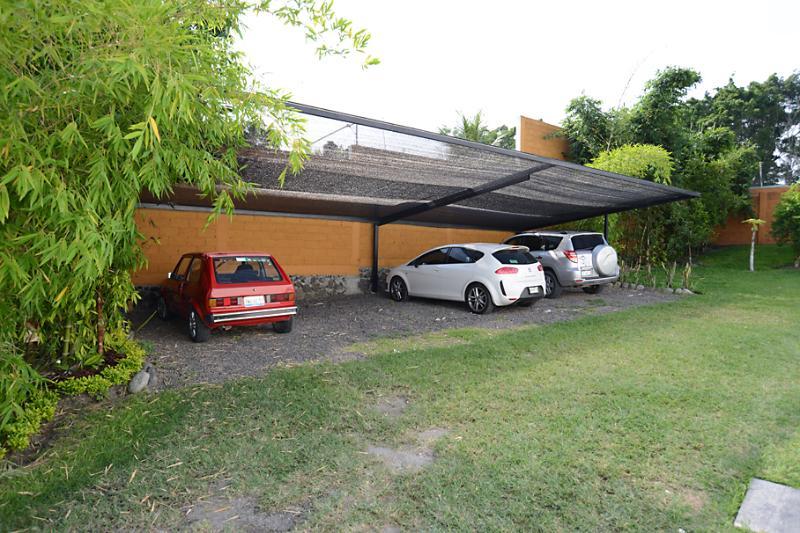 Estacionamiento para 5 coches
