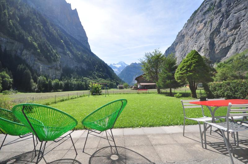 Waterfall Chalet.  Private.  Amazing Views., holiday rental in Jungfrau Region