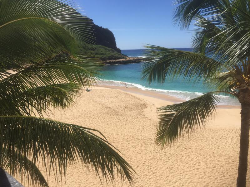 View from lanai to Turtle Cove Beach