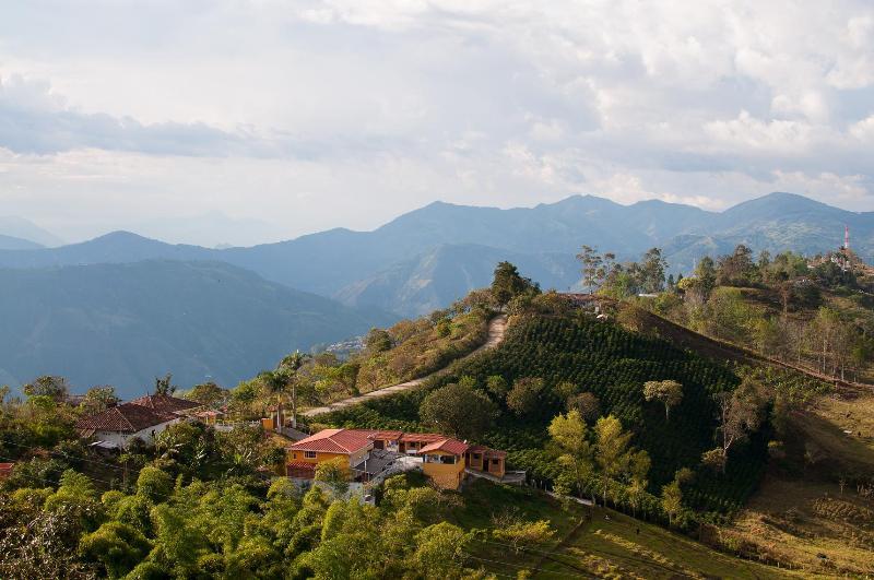 Panoramas de montaña desde la Estadía Campestre Madrigal.
