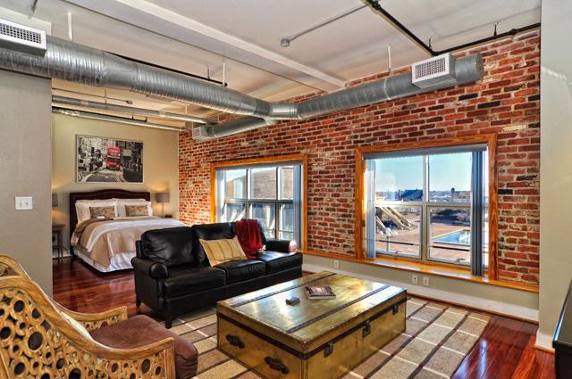 Furnished 1BR/1.5BA Luxury Condo, vacation rental in Norfolk