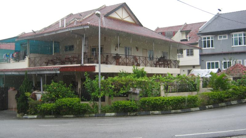 HOME AWAY FROM HOME, vacation rental in Kampar District
