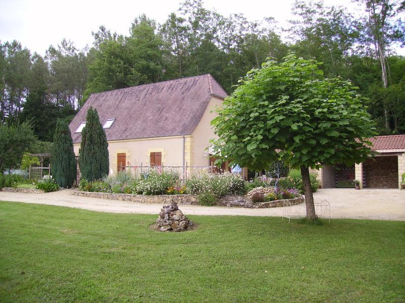 Villa  ' REIGNAC ' en PERIGORD noir, holiday rental in Sergeac