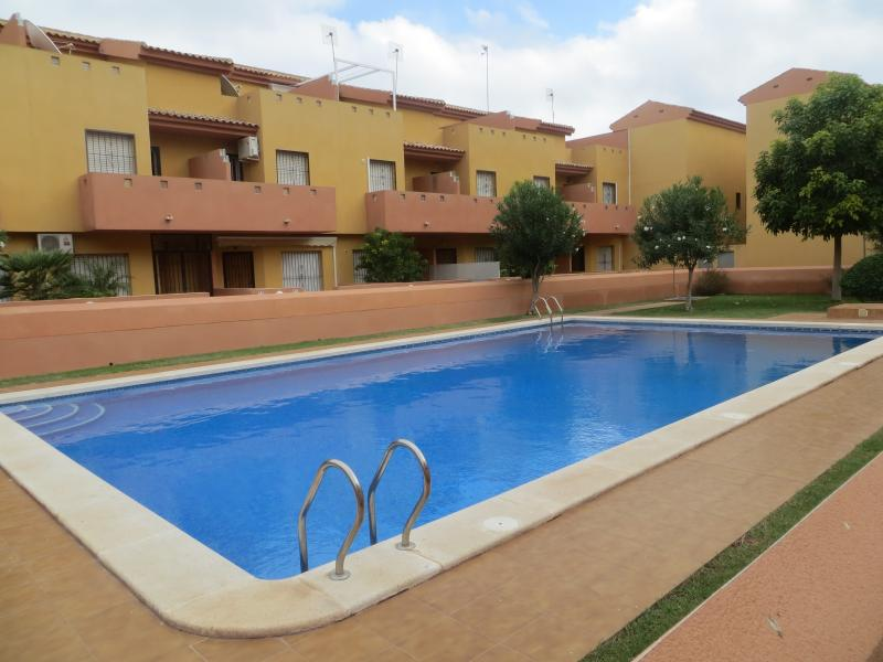 3 Bed Townhouse, Cabo Roig, Costa Blanca Free Wifi, holiday rental in Cabo Roig