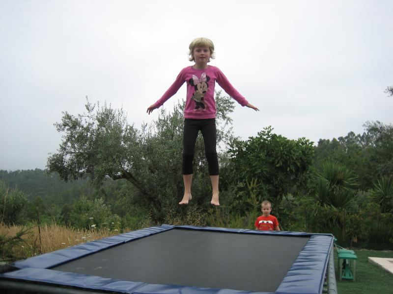 La joie à la trampoline