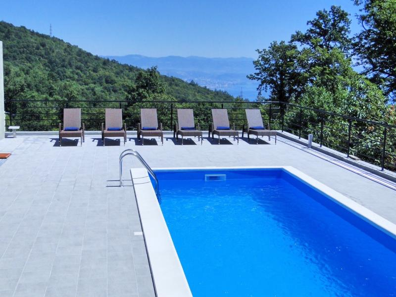 Villa Bianca - A Luxury Property close to Opatija, holiday rental in Opatija