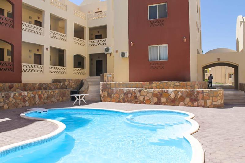 Makadi 2 bed Garden apartment with pool, holiday rental in Makadi Bay