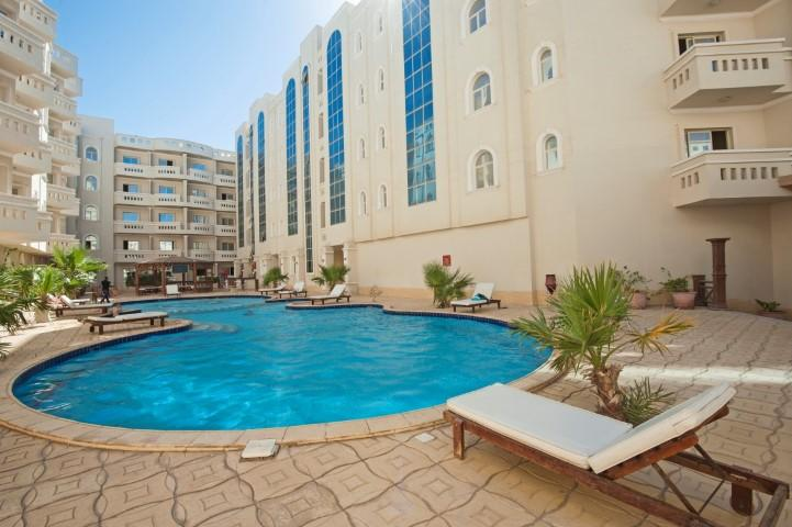 Beautiful apartment across the road from the beach HD12, vacation rental in Hurghada