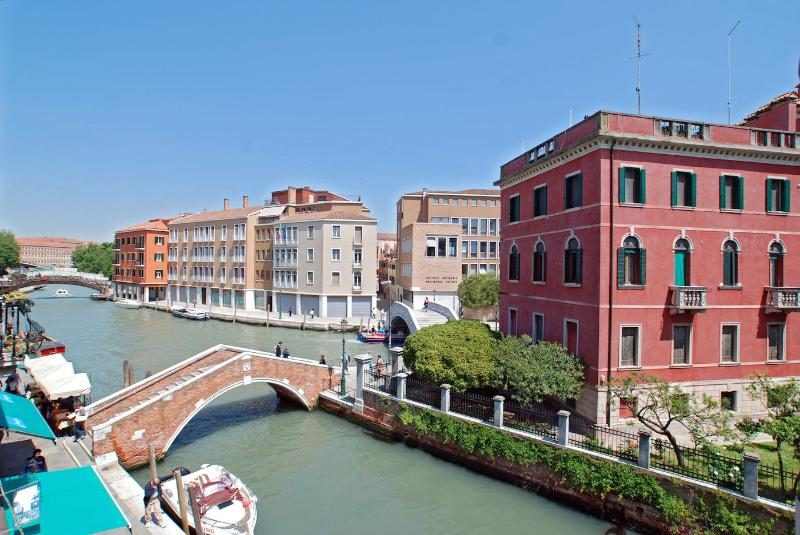 enjoy the wide open canal view from the Barozzi apartment
