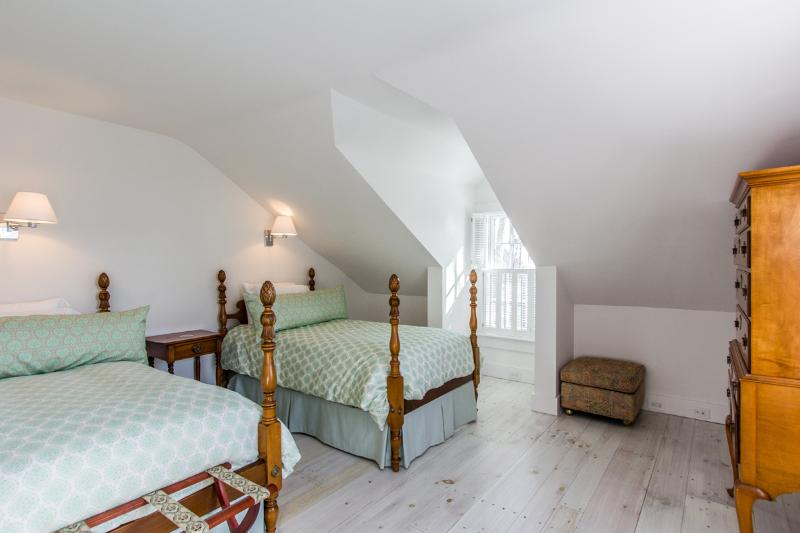 Guest Bedroom with Shared Bath