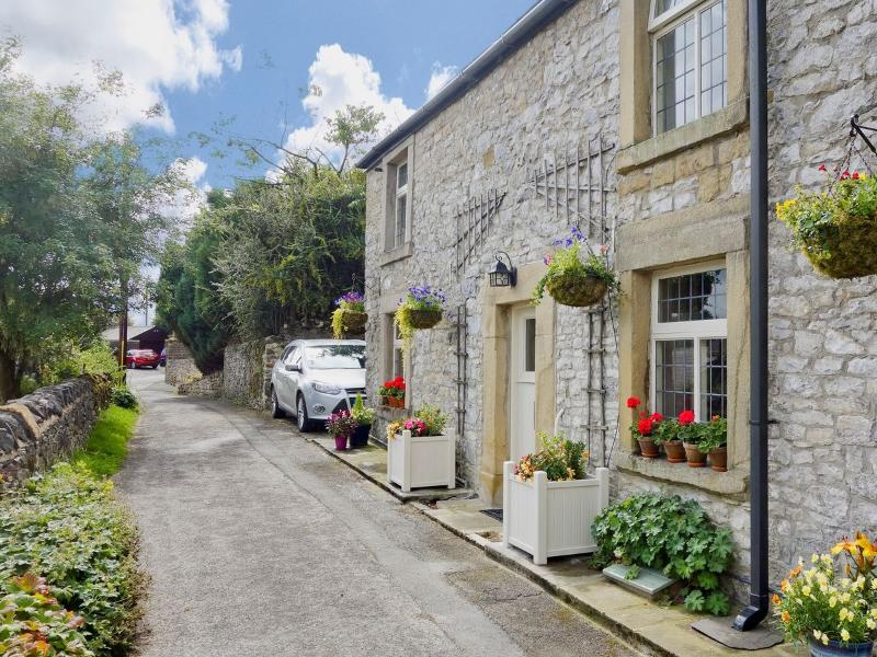 Luxury Tideswell Cottage Sleeping 8, Pet freindly., vacation rental in Millers Dale