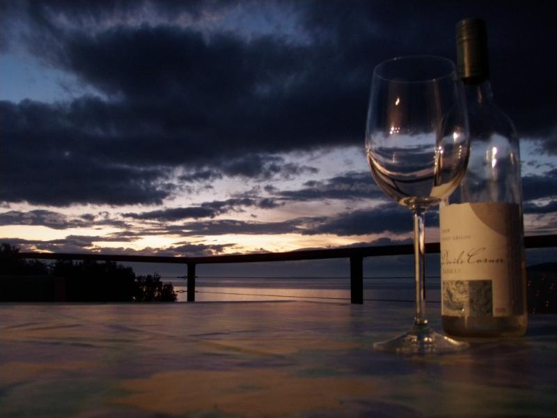 Larus Waterfront Cottage sunset