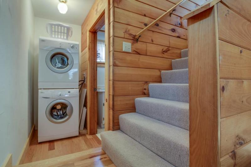 Stairway to 2nd Floor and Washer/Dryer