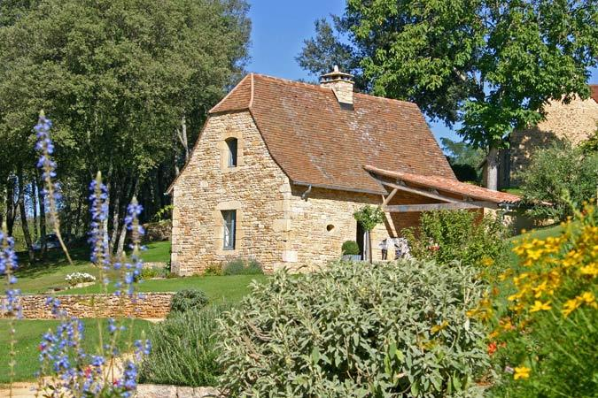At Sarlat, la Petite Borde, charming gite for 5 guests, overlooking the Dordogne valley.