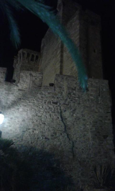 il Castello di Roseto Capo Spulico 20 km