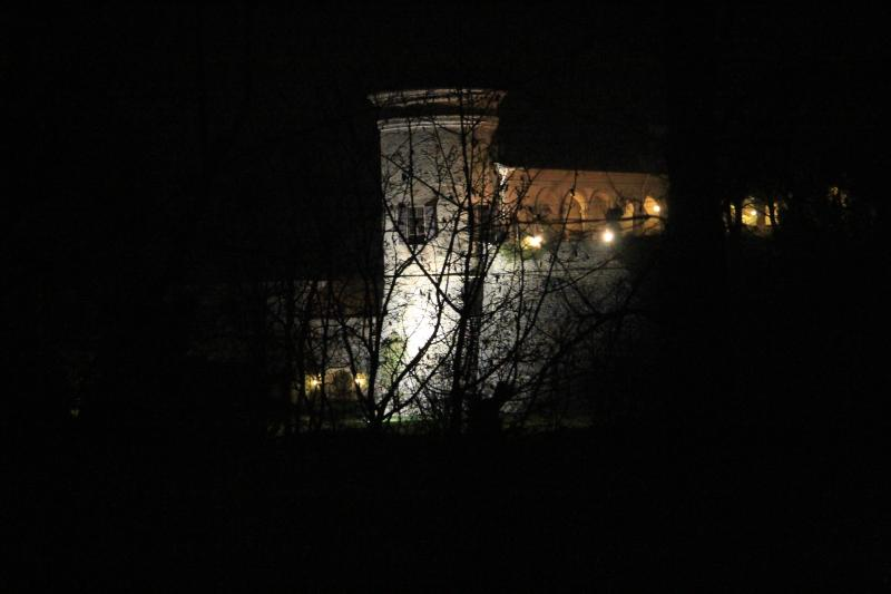 The castle in Scipione at night