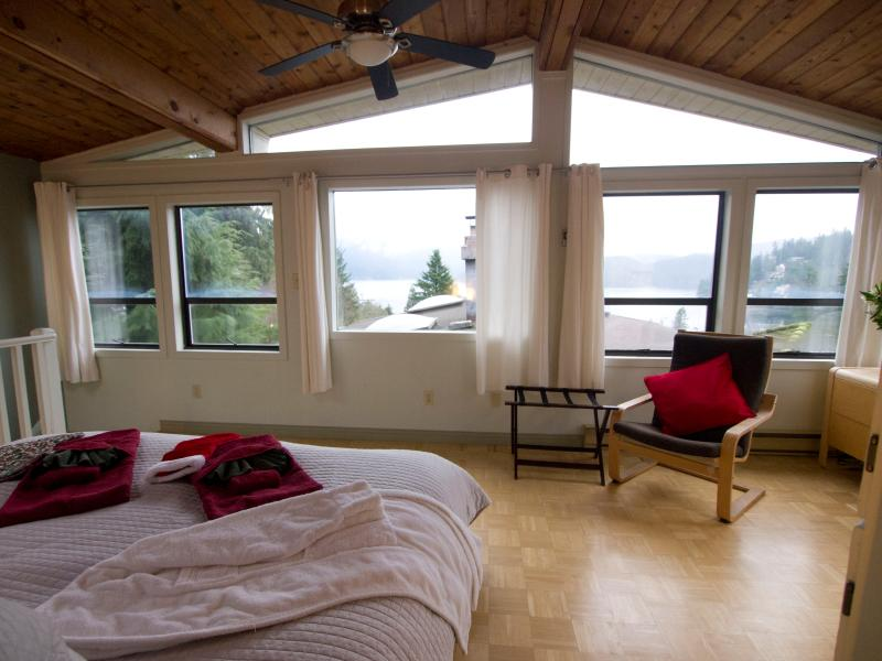 Master Bedroom View (King Bed)