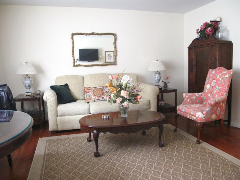 Beautiful Apt - 20 min from Times Sq/ NYC, holiday rental in Guttenberg