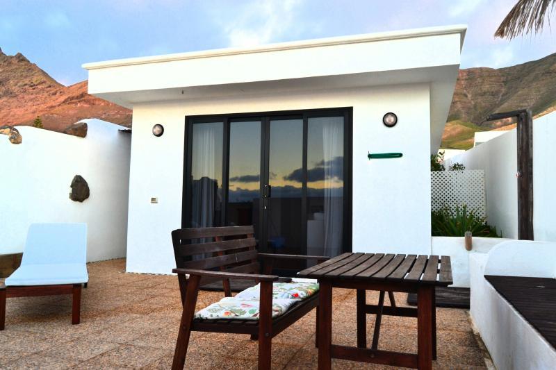 Apartamento independiente en Famara, holiday rental in Las Laderas