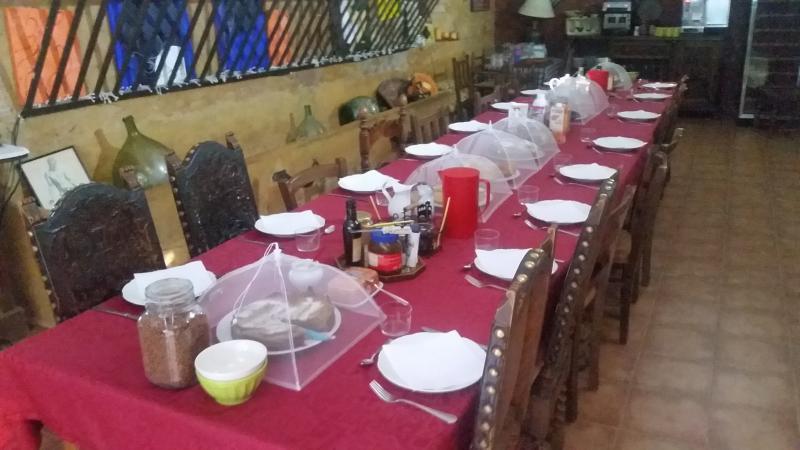 comedor y desayunos Mas Torrencito de estimação amigável Girona