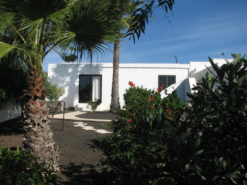 VV - Casa Para Ti - Your Guesthouse, pool and sea view, holiday rental in La Asomada