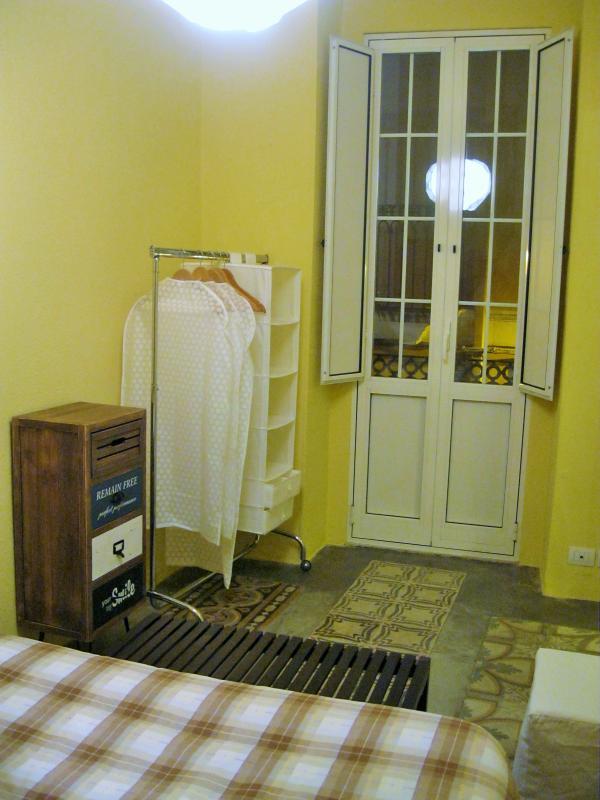 L'Officina - Via R. il Guiscardo 4 - Bari * Dimora Balilla - bedroom