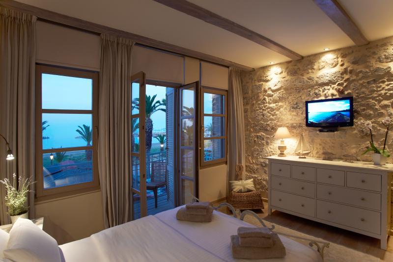 Sea View suite at Casa Maistra Residence, old town, holiday rental in Crete