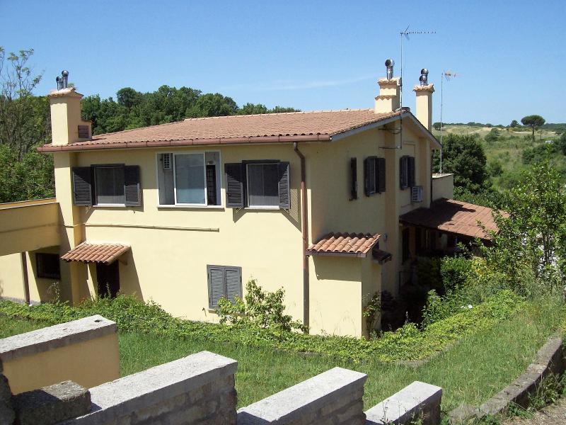 Siamo a Magliano Romano all'interno del Parco del Veio , Vicini a Roma , Formello, Calcata.
