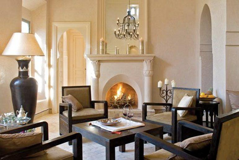 Lounge with open fire place
