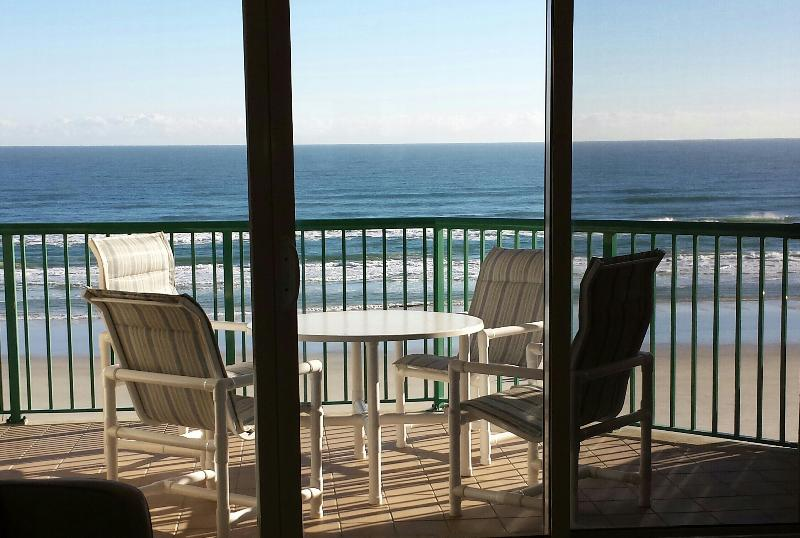 Oceanfront Dining Table & Chairs, great view from the 3rd floor