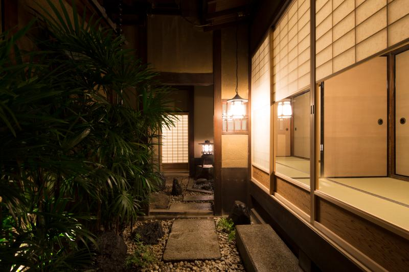Large, exquisite, luxuriously restored 120-year old machiya in old Kyoto, location de vacances à Kyoto