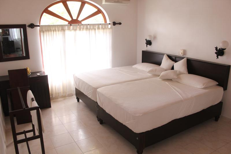 Sethra Villa, holiday rental in Induruwa
