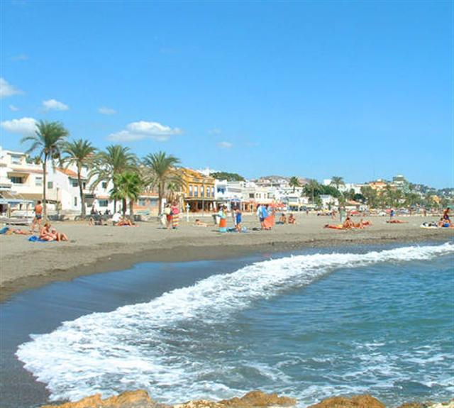 beach 3 min walking