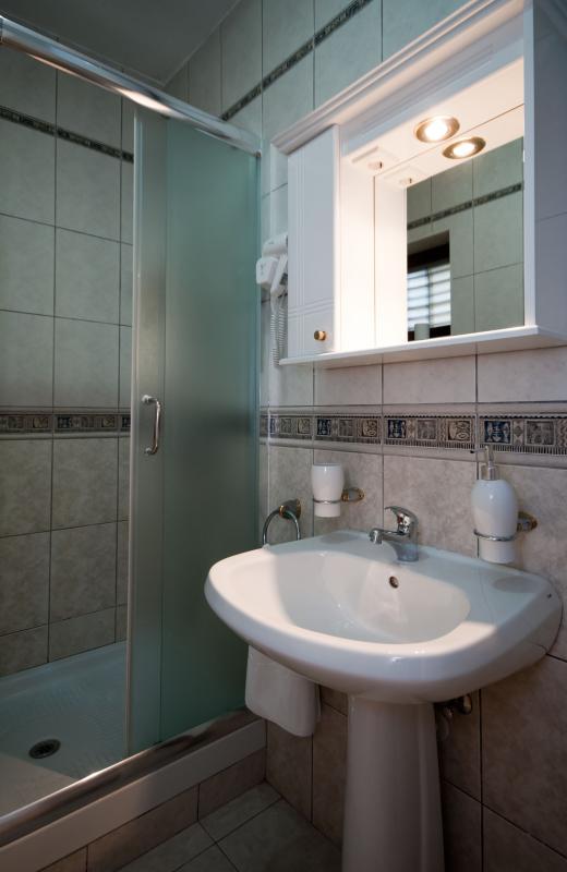 LAVANDA: BAthroom