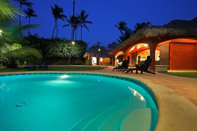 ✴︎ Villa PACHUCO ✴︎ Caribbean Villa close to the BEACH ✴︎, holiday rental in Samana Province