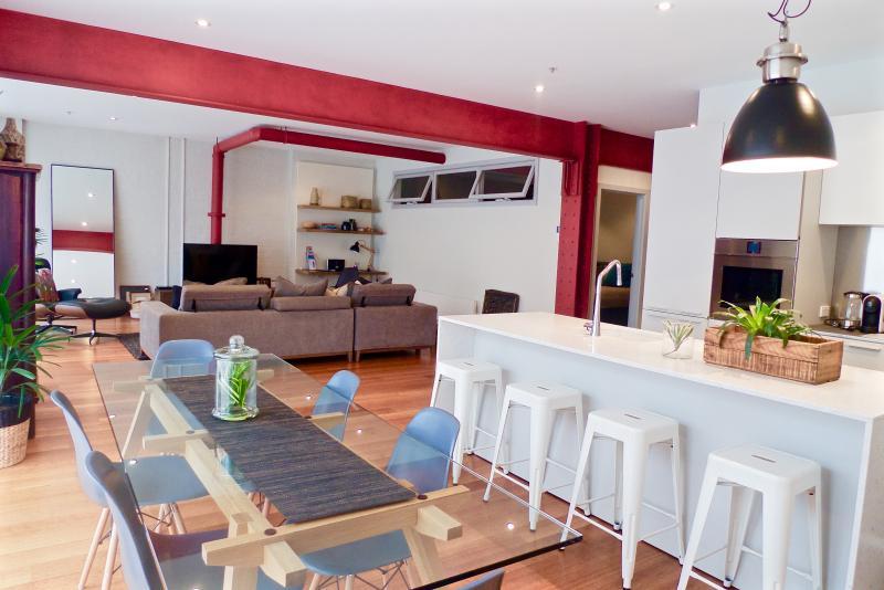 Bohemian Chic IPNO Luxury Apartments Collingwood, location de vacances à Northcote