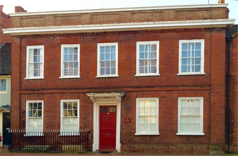 Kings House is a newly renovated Grade II listed building located in the heart of Wokingham.
