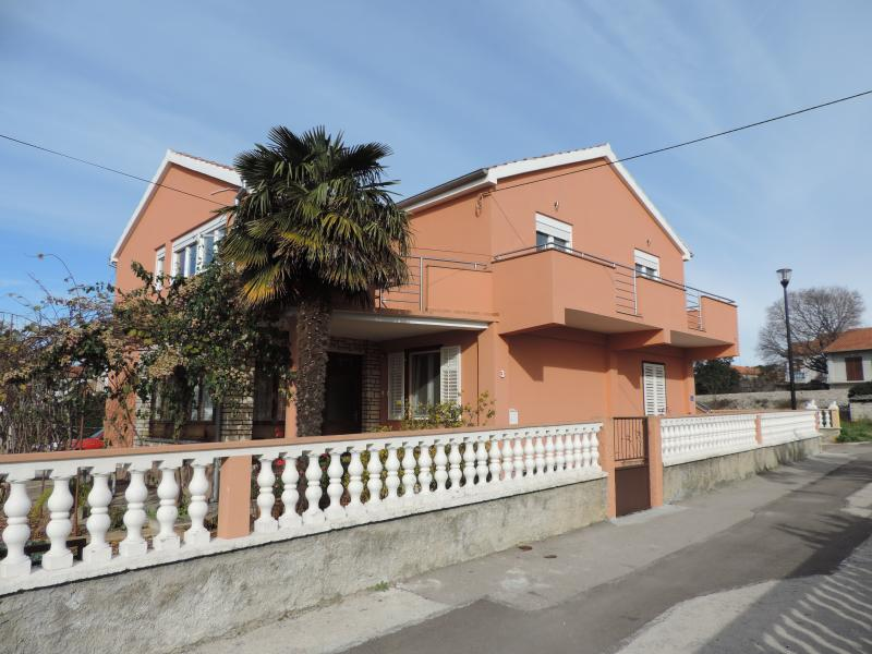 Apartman Tina, vacation rental in Bibinje