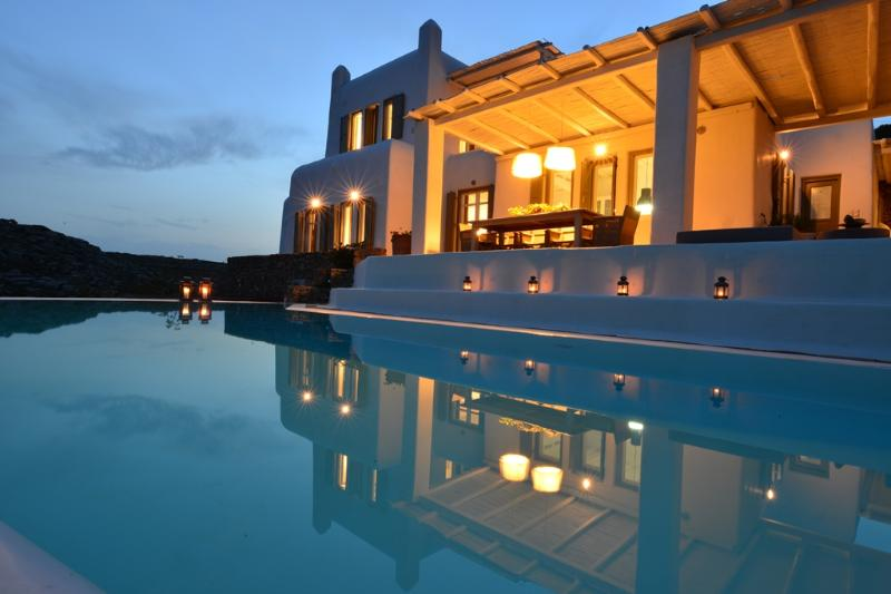Villa Artisti Mykonos by OWNER, holiday rental in Elia