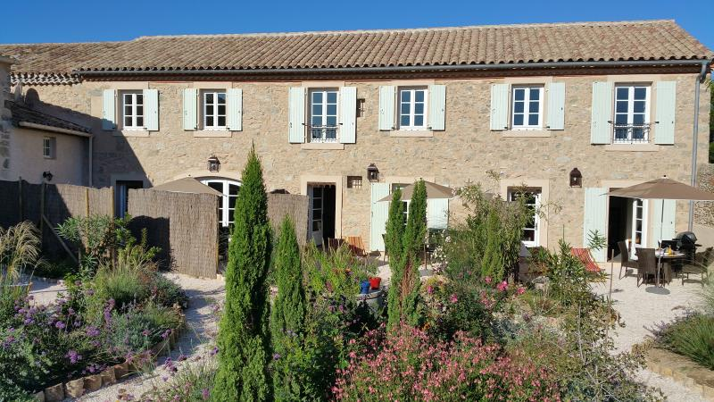 Domaine de Puychêne - Lavande pour 4 personnes, holiday rental in Le Somail