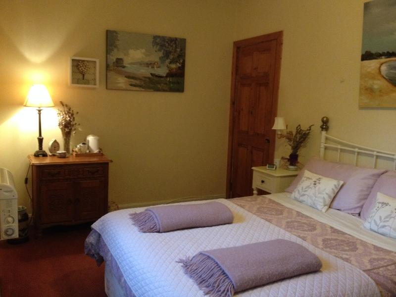 Second double ensuite bedroom, can be rented at an additional cost.