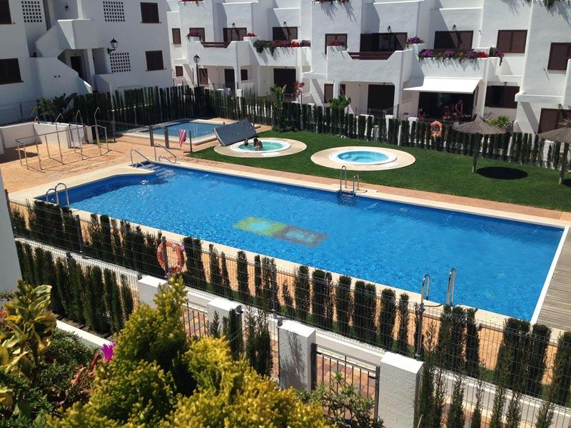 Mar De Pulpi 85 - Luxury apartment only 2 minutes walk to the beach. WIFI/AIRCO, holiday rental in San Juan de los Terreros