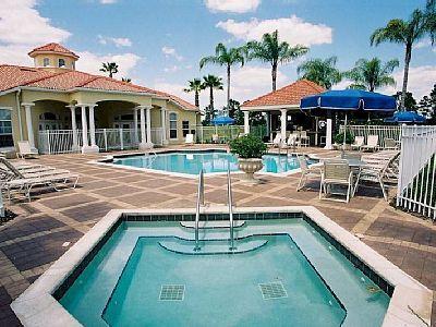 M8631 Pondview Luxury 8 Bedroom Villa, New Remodel, aluguéis de temporada em Kissimmee