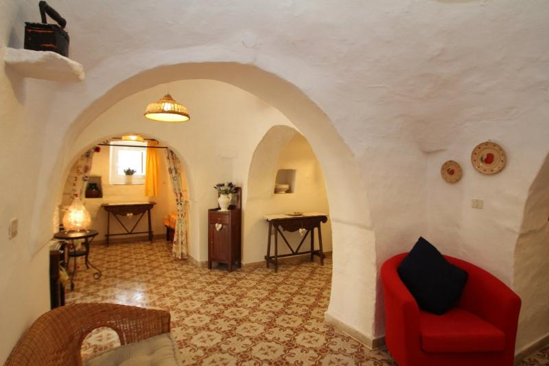 There is free wifi at Trullo Iris and a house book with lots of info on the local area