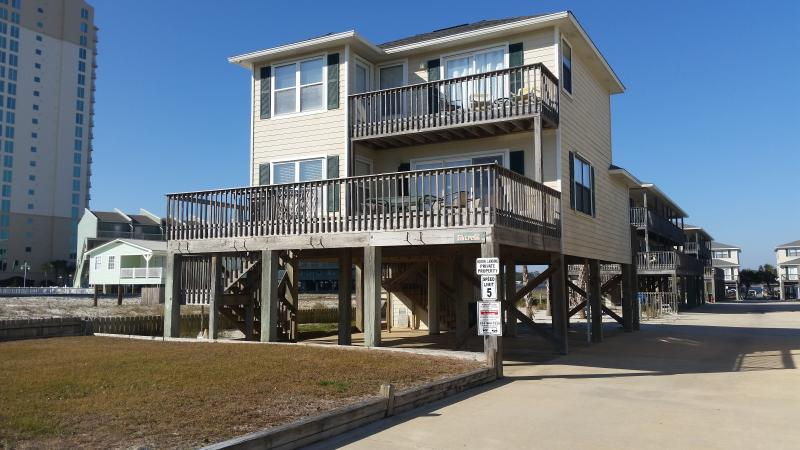 Beautiful 3 bedroom, 3 bath house with great views of the beach and gulf!  In a perfect location!