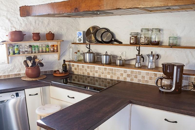well equipped kitchen shared by all travellers