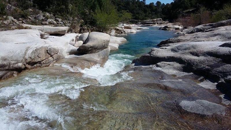Cavu et ses piscines naturelles d'eau douce