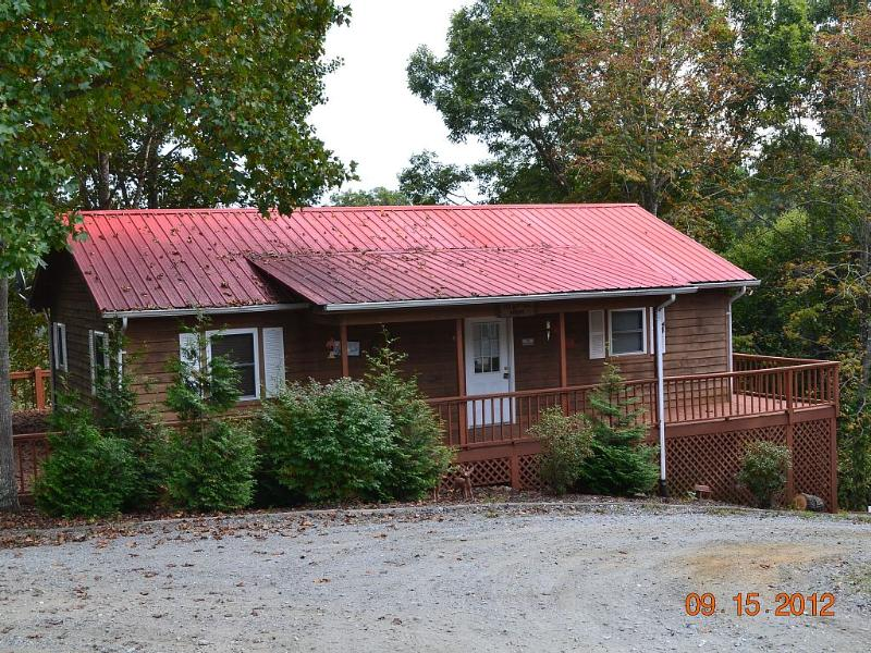 Nestled high in the Appalachian Mountains!, holiday rental in Grassy Creek