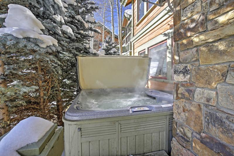 Enjoy the natural splendor of the Rockies while soaking in a private Jacuzzi hot tub when you stay at this spectacular Edwards vacation rental townhome!